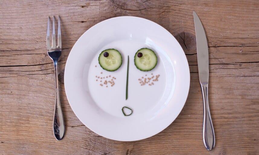 Manger dans de la petite vaisselle !