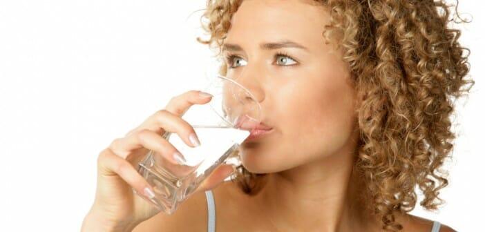 Boire 1,5 litre d'eau par jour pour maigrir