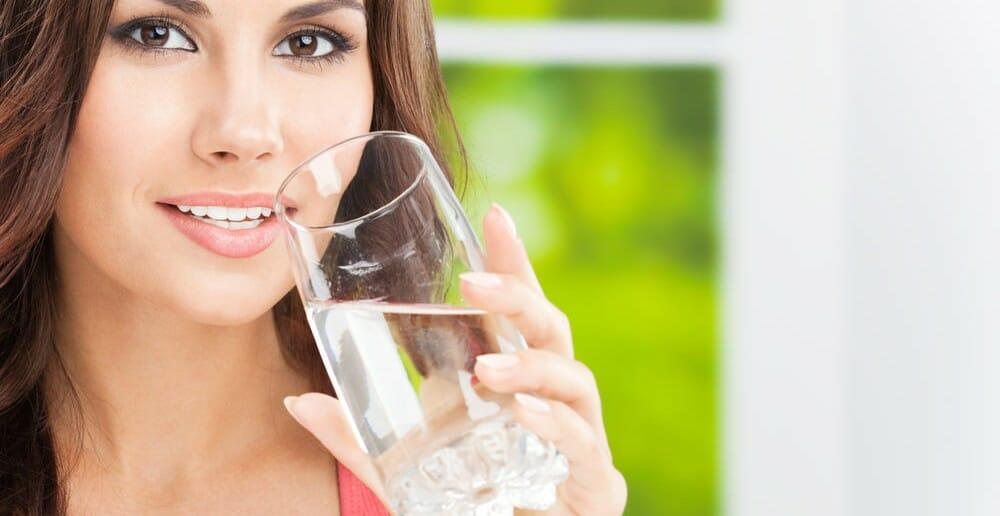L'excès d'eau dans le corps et le surpoids