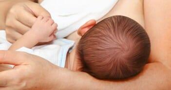 Le lait maternel agit-il contre l'obésité ?