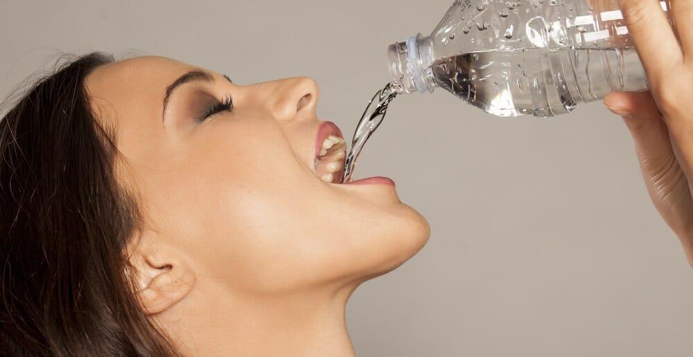 Boire beaucoup d'eau fait-il maigrir ?