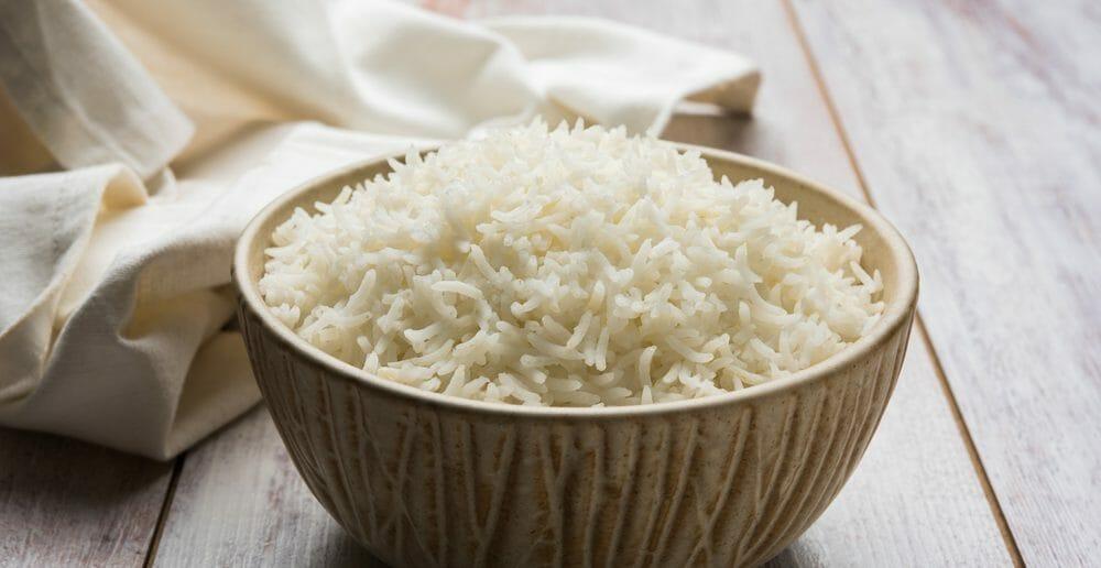 le-riz-fait-il-gonfler-le-ventre