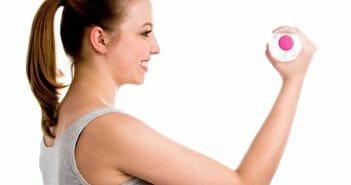 Comment maigrir des bras avec une bouteille d'eau