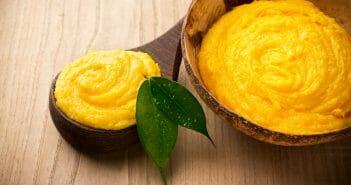 Lutter contre les vergetures à la maison grâce au beurre de mangue