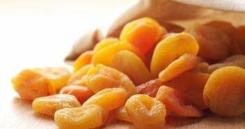 Retrouver un ventre plat grâce à l'abricot sec bio