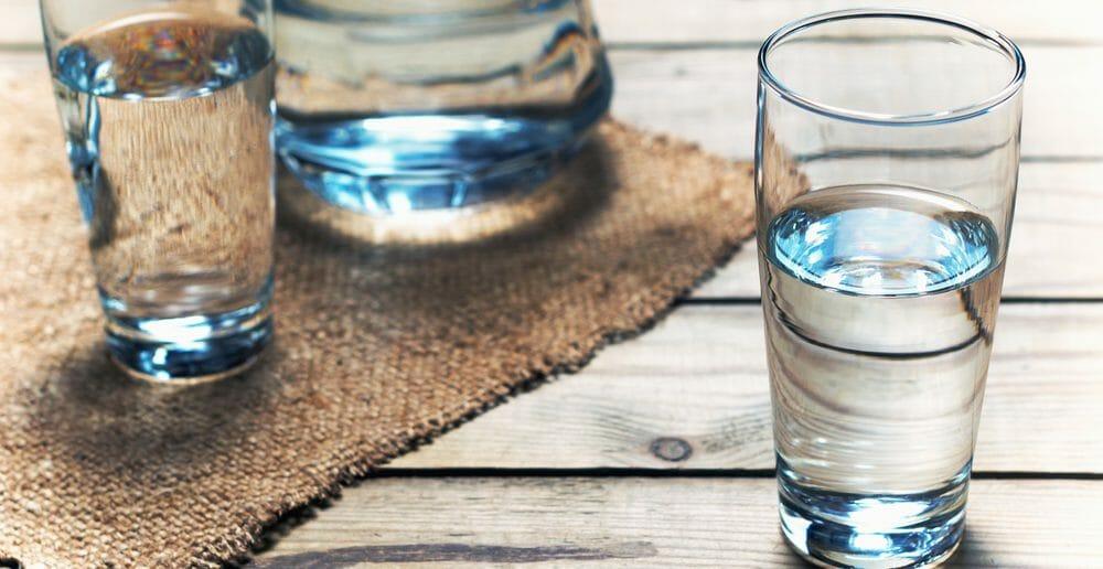 Boire de l'eau à jeun pour maigrir
