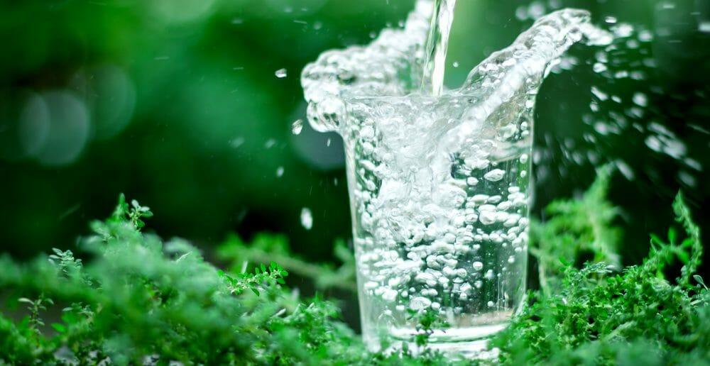 boire-de-leau-minerale-naturelle-maigrir