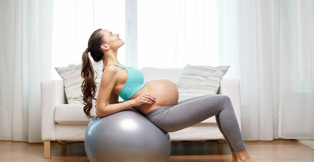 Quels exercices de fitball pendant la grossesse