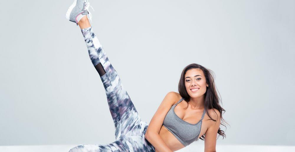 Exercice : le relevé de jambes oblique pour affiner sa taille