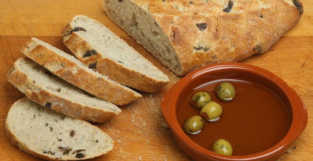 Le pain aux olives fait-il grossir ?