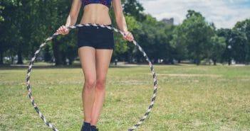 Perdre des hanches avec le hula hoop