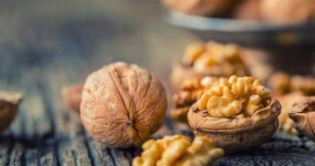 Manger des noix pendant le sport : quels effets